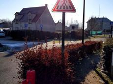 Pose de potelets et panneaux de police à Ouzouer-le-Marché (41)